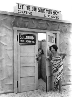 A solarium in St. Petersburg, Florida, touts the healthful effects of the sun by Clifton R. Adams