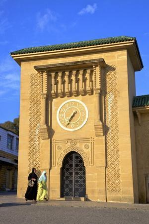 https://imgc.allpostersimages.com/img/posters/clock-tower-in-grand-socco-tangier-morocco-north-africa-africa_u-L-PWFAZM0.jpg?p=0