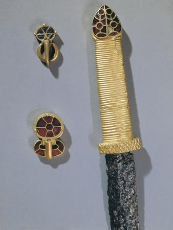 https://imgc.allpostersimages.com/img/posters/cloisonne-enamel-and-gold-dagger-handle-and-clasps-from-princely-burial-of-germanic-warrior_u-L-POPBAB0.jpg?p=0