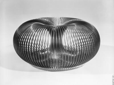 https://imgc.allpostersimages.com/img/posters/close-up-view-of-american-toy-slinky_u-L-PZP1OX0.jpg?artPerspective=n