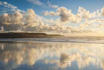 https://imgc.allpostersimages.com/img/posters/cloud-reflections-at-constantine-bay-at-sunset-cornwall-england-united-kingdom-europe_u-L-PQ8NQZ0.jpg?artPerspective=n
