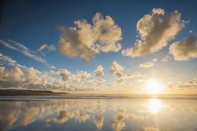 https://imgc.allpostersimages.com/img/posters/cloud-reflections-at-constantine-bay-at-sunset-cornwall-england-united-kingdom-europe_u-L-PQ8P5B0.jpg?p=0