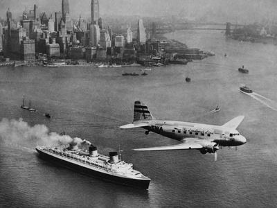 DC-3, SS Normandie, New York, 1938