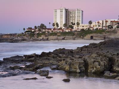 https://imgc.allpostersimages.com/img/posters/coastline-at-sunset-la-jolla-san-diego-county-california-usa_u-L-PFNGUM0.jpg?p=0
