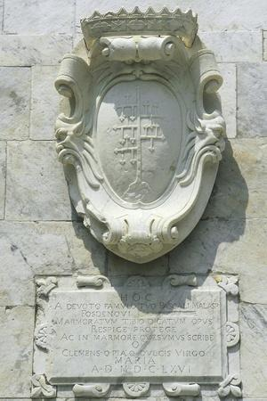 https://imgc.allpostersimages.com/img/posters/coat-of-arms-and-insignia-on-the-oratory_u-L-PP9UTX0.jpg?artPerspective=n