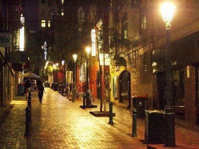 https://imgc.allpostersimages.com/img/posters/cobblestone-alleyway-off-collins-street-melbourne-victoria-australia_u-L-P2T81I0.jpg?p=0