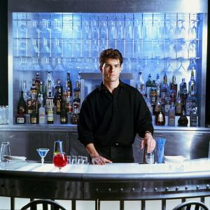 COCKTAIL, 1987 directed by ROGER DONALSON Tom Cruise (photo)