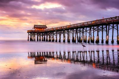 https://imgc.allpostersimages.com/img/posters/cocoa-beach-florida-usa-at-the-pier_u-L-Q105M8W0.jpg?p=0