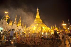 Shwedagon Pagoda, Yangon (Rangoon), Myanmar (Burma), Asia by Colin Brynn