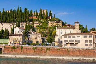 https://imgc.allpostersimages.com/img/posters/colle-san-pietro-river-adige-verona-unesco-world-heritage-site-veneto-italy-europe_u-L-PQ8R3Z0.jpg?p=0