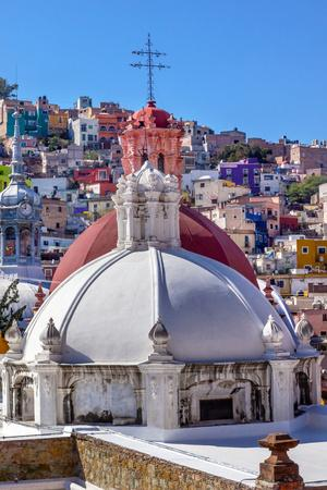 https://imgc.allpostersimages.com/img/posters/colored-houses-san-roque-church-market-hidalgo-guanajuato-mexico_u-L-Q1D0LHZ0.jpg?artPerspective=n