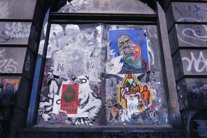 Colorful look at graffiti in Brooklyn NY