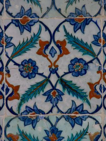 https://imgc.allpostersimages.com/img/posters/colorful-tile-work-in-the-topkapi-palace-istanbul-turkey_u-L-P243MM0.jpg?p=0