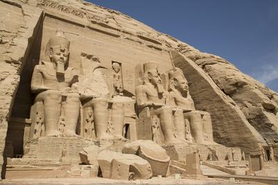 https://imgc.allpostersimages.com/img/posters/colossi-of-ramses-ii-sun-temple-abu-simbel-egypt-north-africa-africa_u-L-PWFQZ60.jpg?p=0