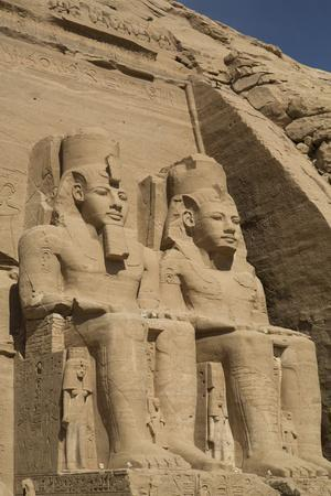 https://imgc.allpostersimages.com/img/posters/colossi-of-ramses-ii-sun-temple-abu-simbel-egypt-north-africa-africa_u-L-PWFR160.jpg?p=0