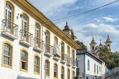https://imgc.allpostersimages.com/img/posters/colourful-streets-mariana-minas-gerais-brazil-south-america_u-L-PNGM2K0.jpg?p=0