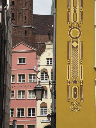 https://imgc.allpostersimages.com/img/posters/colourfully-renewed-homes-in-main-town-gdansk-pomerania-poland-europe_u-L-P7NJJ40.jpg?p=0