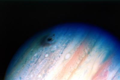 https://imgc.allpostersimages.com/img/posters/comet-shoemaker-levy-colliding-with-jupiter-20-july-1994_u-L-PTVALU0.jpg?artPerspective=n