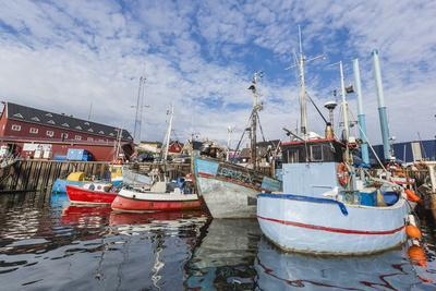 https://imgc.allpostersimages.com/img/posters/commercial-fishing-and-whaling-boats-line-the-busy-inner-harbor-in-the-town-of-ilulissat_u-L-PQ8QHB0.jpg?p=0