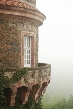 Old Castle's Tower by conrado