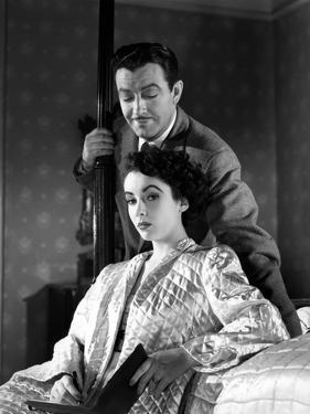 CONSPIRATOR, 1949 directed by VICTOR SAVILLE Robert Taylor / Elizabeth Taylor (b/w photo)