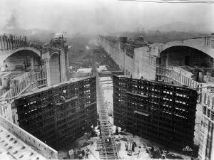 Construction of Panama Canal Locks