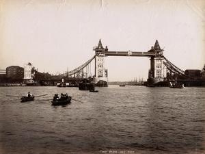 Construction of Tower Bridge, London, C.1890