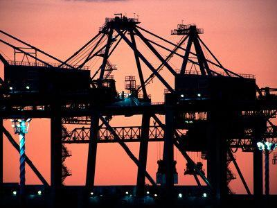 https://imgc.allpostersimages.com/img/posters/container-cranes-port-of-auckland_u-L-P2TAXE0.jpg?p=0
