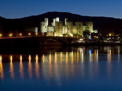 https://imgc.allpostersimages.com/img/posters/conwy-castle-and-town-at-dusk-conwy-wales-united-kingdom-europe_u-L-P91SCV0.jpg?p=0
