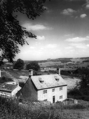 https://imgc.allpostersimages.com/img/posters/cotswolds-farmstead_u-L-Q106WJW0.jpg?p=0