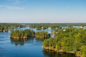 Cottages in Thousand Islands region of Ontario, Canada