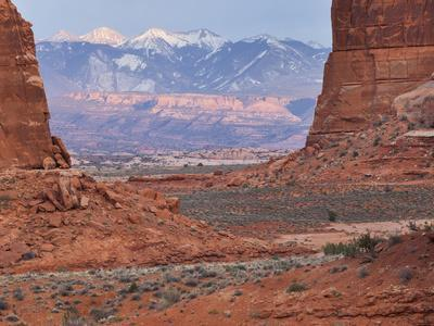 https://imgc.allpostersimages.com/img/posters/courthouse-towers-la-sal-mountains-arches-national-park-moab-utah-usa_u-L-Q11YQUZ0.jpg?p=0