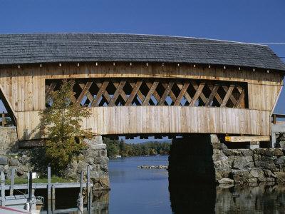 https://imgc.allpostersimages.com/img/posters/covered-bridge-squam-lake-new-hampshire-new-england-usa_u-L-P1KDBW0.jpg?p=0