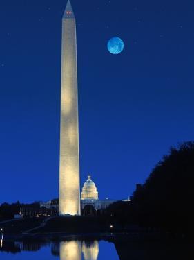 Washington Monument by Craig Aurness