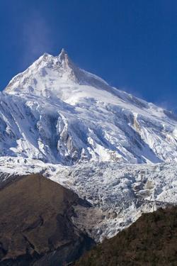 Manaslu Peak by Craig Lovell