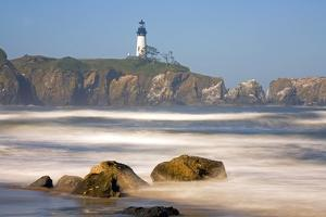 Yaquina Head Lighthouse by Craig Tuttle