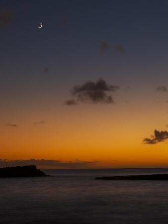 https://imgc.allpostersimages.com/img/posters/crescent-moon-at-sunset_u-L-Q1CANHI0.jpg?artPerspective=n