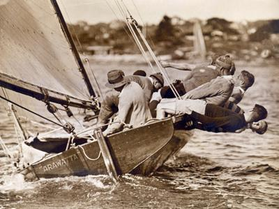 https://imgc.allpostersimages.com/img/posters/crew-of-the-arawatta-during-the-eighteen-footer-race-sydney-harbour-9th-april-1934_u-L-PJJ30M0.jpg?artPerspective=n