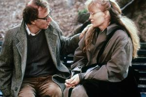 Crimes and delits CRIMES AND MISDEMEANORS, 1989 by WOODY ALLEN with Woody Allen and Mia Farrow (pho