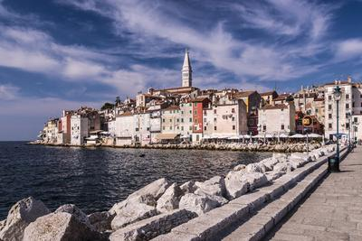 https://imgc.allpostersimages.com/img/posters/croatia-istria-adriatic-coast-rovinj-south-view-of-the-old-town-with-church-sv-eufemija_u-L-Q11YU3E0.jpg?artPerspective=n
