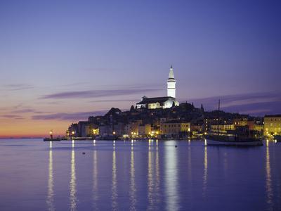 https://imgc.allpostersimages.com/img/posters/croatia-istria-west-coast-rovinj-harbor_u-L-Q11YMTS0.jpg?p=0