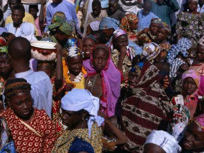 https://imgc.allpostersimages.com/img/posters/crowds-gather-in-celebration-of-the-kano-durbar-festival-kano-nigeria_u-L-P4CELN0.jpg?p=0