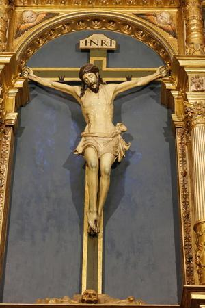 https://imgc.allpostersimages.com/img/posters/crucifix-in-the-mosque-mezquita-and-cathedral-of-cordoba-cordoba-andalucia-spain_u-L-Q1GYKDH0.jpg?artPerspective=n