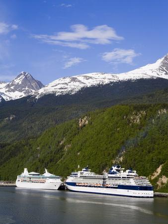 https://imgc.allpostersimages.com/img/posters/cruise-ships-docked-in-skagway-southeast-alaska-united-states-of-america-north-america_u-L-PFNQKH0.jpg?p=0