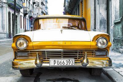 https://imgc.allpostersimages.com/img/posters/cuba-fuerte-collection-old-ford-orange-car_u-L-Q1ACXM80.jpg?p=0