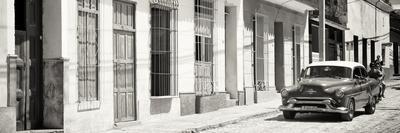https://imgc.allpostersimages.com/img/posters/cuba-fuerte-collection-panoramic-bw-cuban-urban-scene_u-L-Q1ABZ510.jpg?p=0