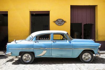 https://imgc.allpostersimages.com/img/posters/cuba-fuerte-collection-retro-blue-car_u-L-Q1ACYG60.jpg?p=0