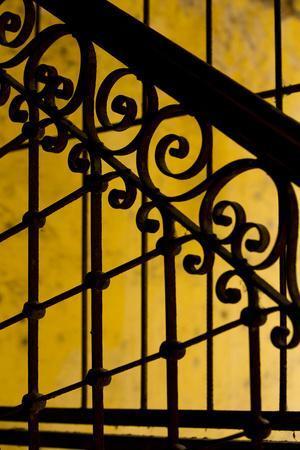 https://imgc.allpostersimages.com/img/posters/cuba-havana-railing-and-ironwork-in-apartment_u-L-Q13CA0U0.jpg?p=0