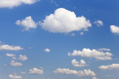 https://imgc.allpostersimages.com/img/posters/cumulus-clouds-blue-sky-summer-germany-europe_u-L-PQ8UFH0.jpg?p=0