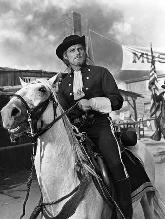 https://imgc.allpostersimages.com/img/posters/custer-l-homme-by-l-ouest-by-robertsiodmak-with-robert-shaw-1967-b-w-photo_u-L-Q1C2U2E0.jpg?artPerspective=n